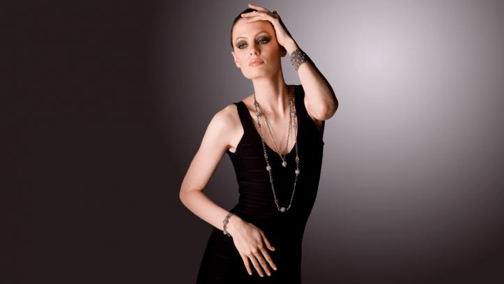 SG Liquid Metal necklace-ch5 by Sergio Gutierrez